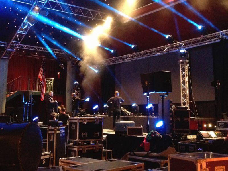 Installation de scène de concert- Dock Pullman Paris
